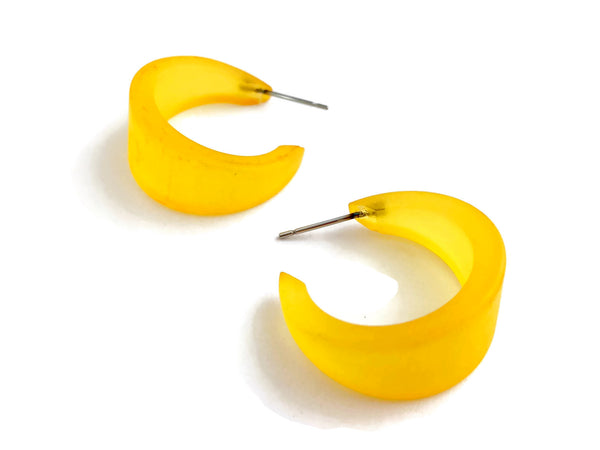 tapered yellow hoops