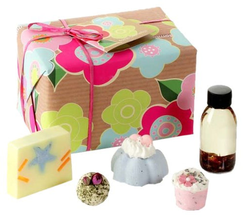 Bomb Cosmetics Mrs Miracles Handmade Gift Pack - BETTIKE.com