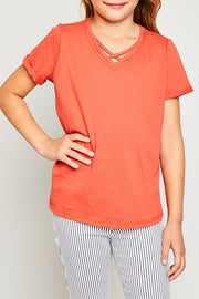 RUST RED CRISS CROSS TEE