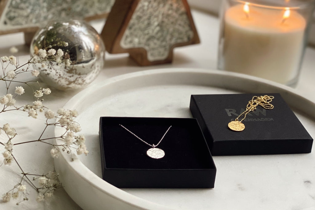 Christmas gift ideas from RAW Copenhagen including the gorgeous textured Pendant necklaces