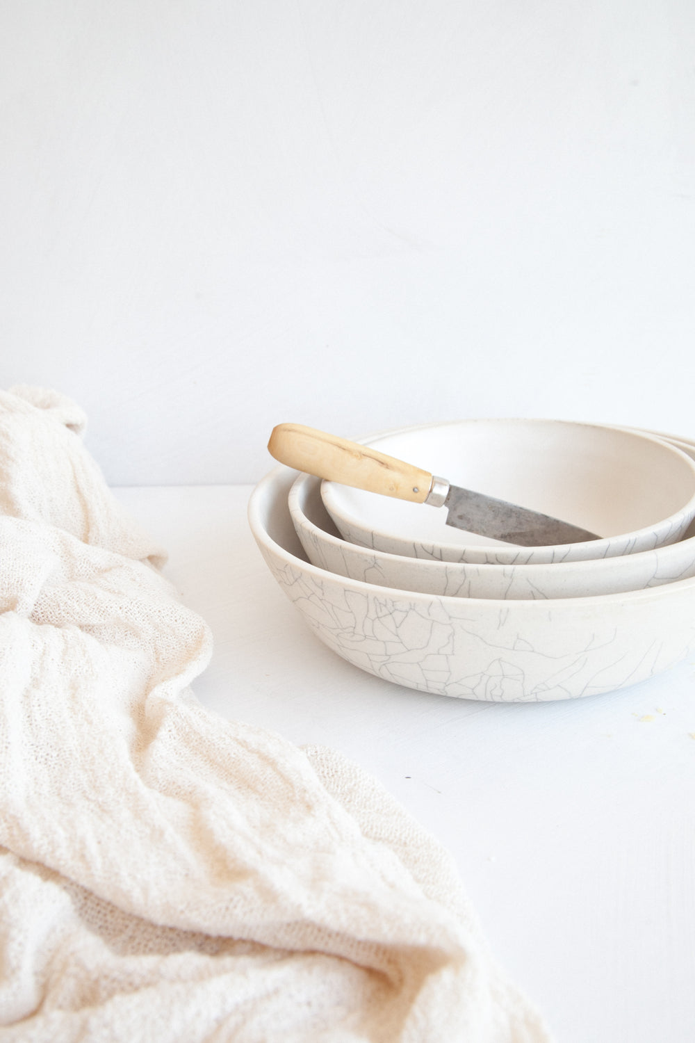 Nesting Serving Bowls / Crackle
