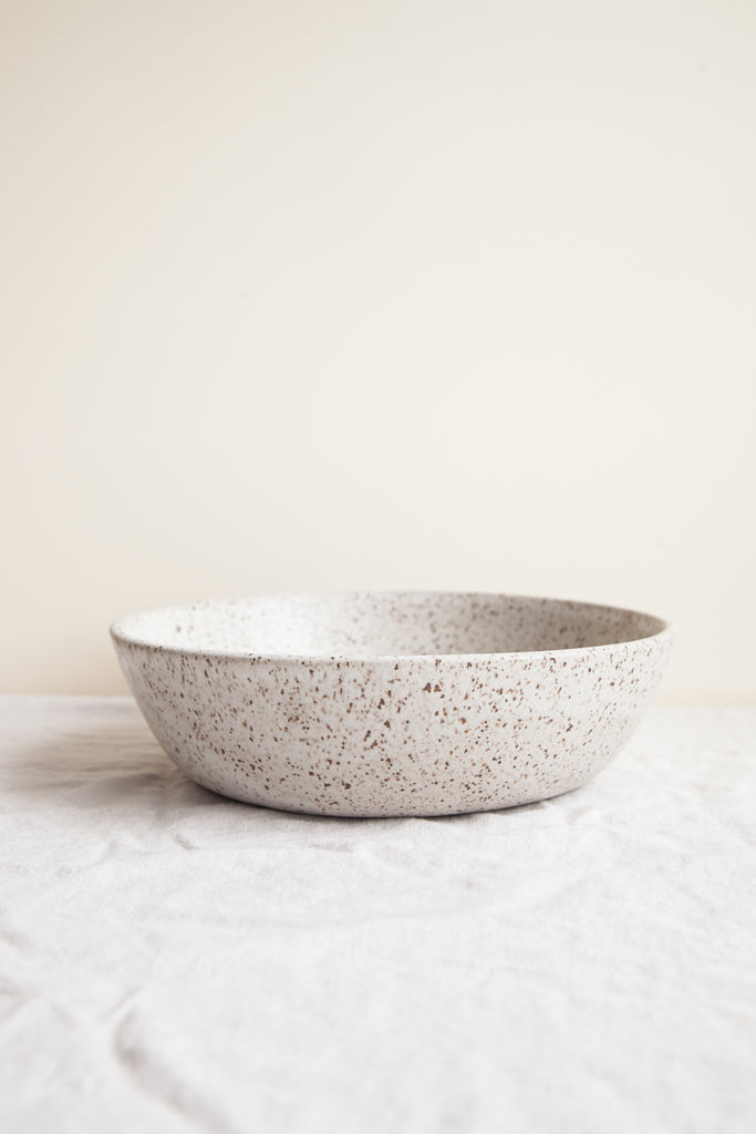 Serving Bowl / Pebble