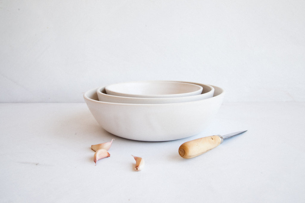 Nesting Serving Bowls / Snow