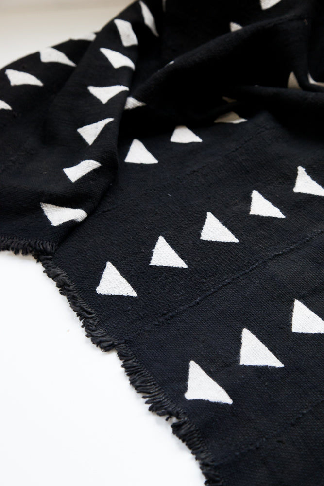 Mud Cloth / Triangles Black