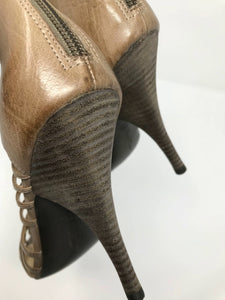 Tracey Reese Gladiator Heels Size 39.5