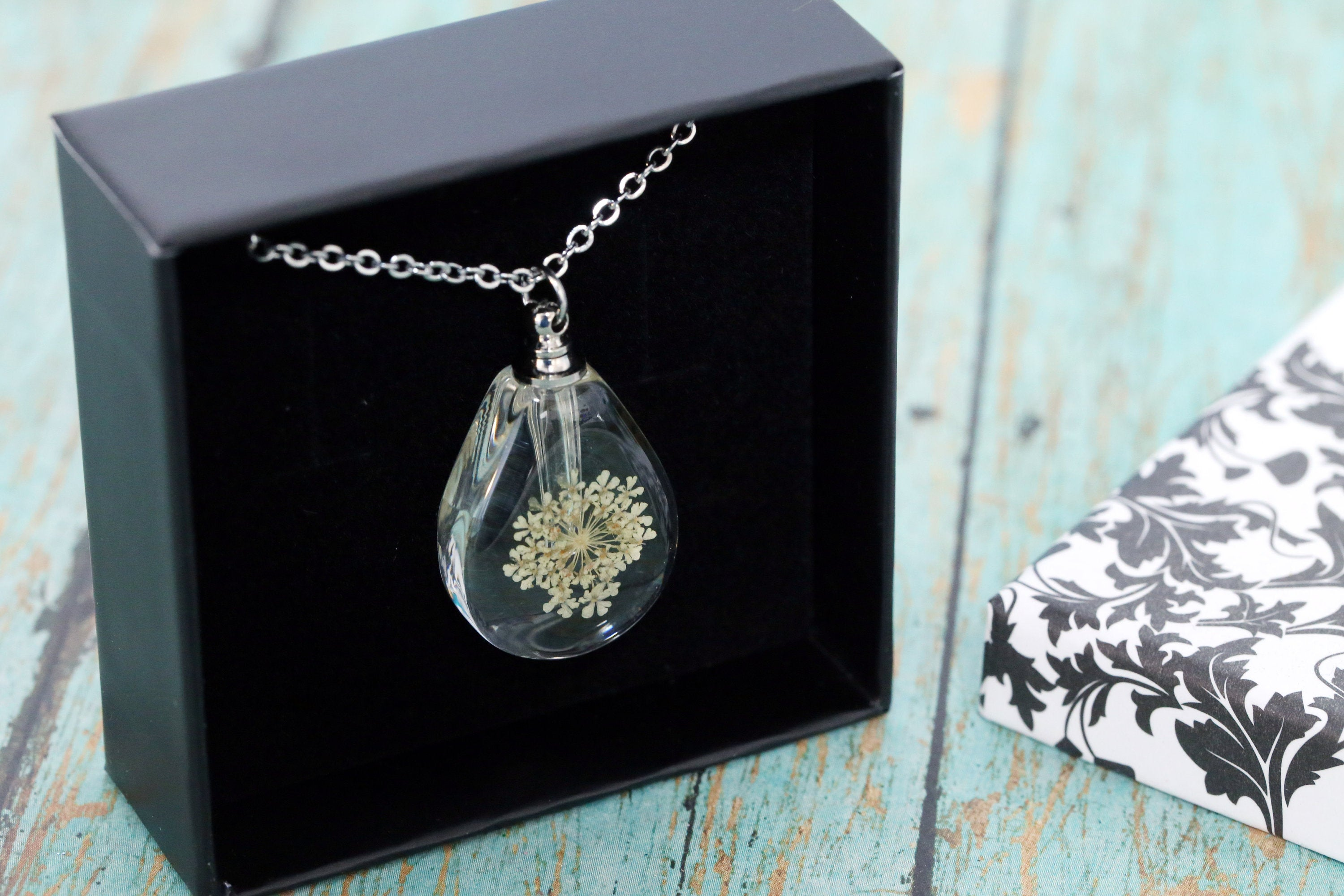 Stainless and Resin Memorial Teardrop Urn Pendant with Off White Dried Flowers - Cremation Jewelry- Ash Necklace -Urn Necklace-Vial Necklace