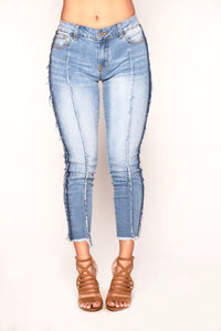 On The Edge Jeans - Medium Blue