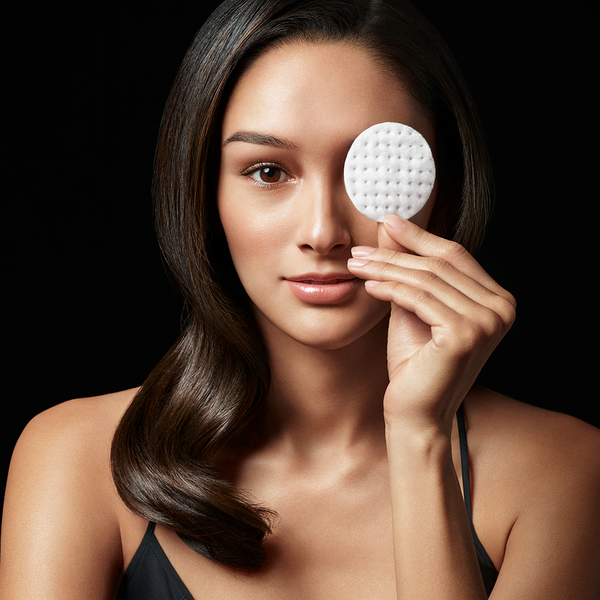 Remove makeup and residue usingMicellar Water Lash Wash. Spray 4-6 pumps onto a cotton pad.Gently press pad on closed eye for 10-15 seconds to help loosen makeup.Wipe eye area clean and repeat as needed to fully remove dirt and makeup from lashes, brows, eyelids and lash line. No need to rinse.