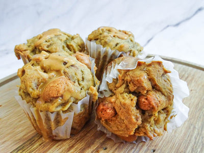 Banana Oatmeal Muffins with Peanut Butter Vine-Dried Grapes