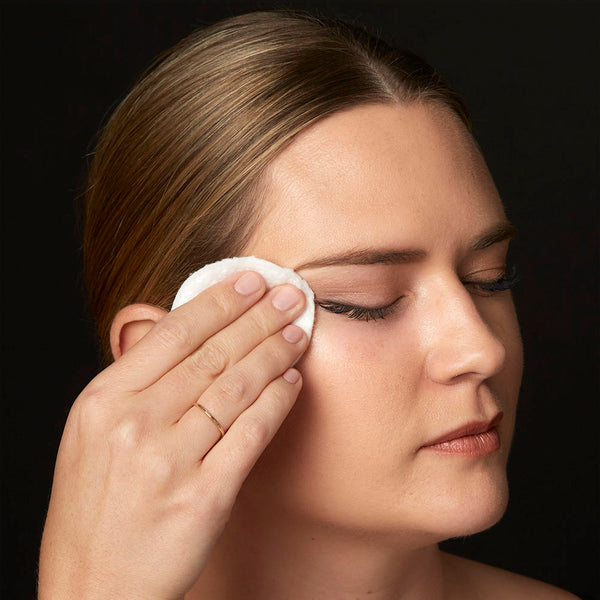 Wipe eye area clean and repeat as needed to fully remove dirt and makeup from lashes, brows, eyelids and lash line. No need to rinse.TIP: If using lash extensions, do not use with a cotton pad. Instead spray a few pumps directly onto closed eye, lightly massaging product along lashes, brows and lids, and gently wipe dry.