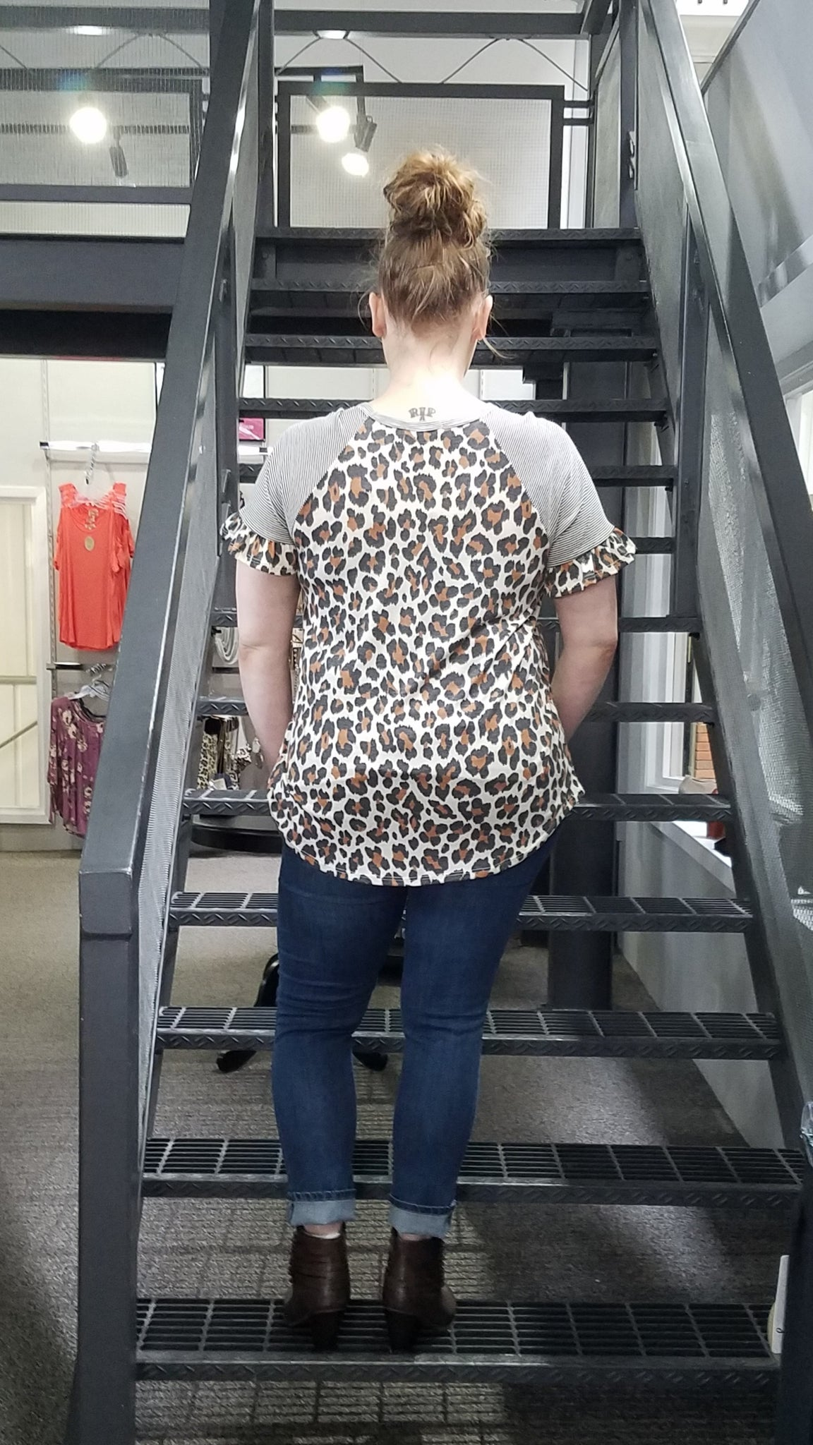 Plus SS Leopard Print Top w Ruffle Sleeves