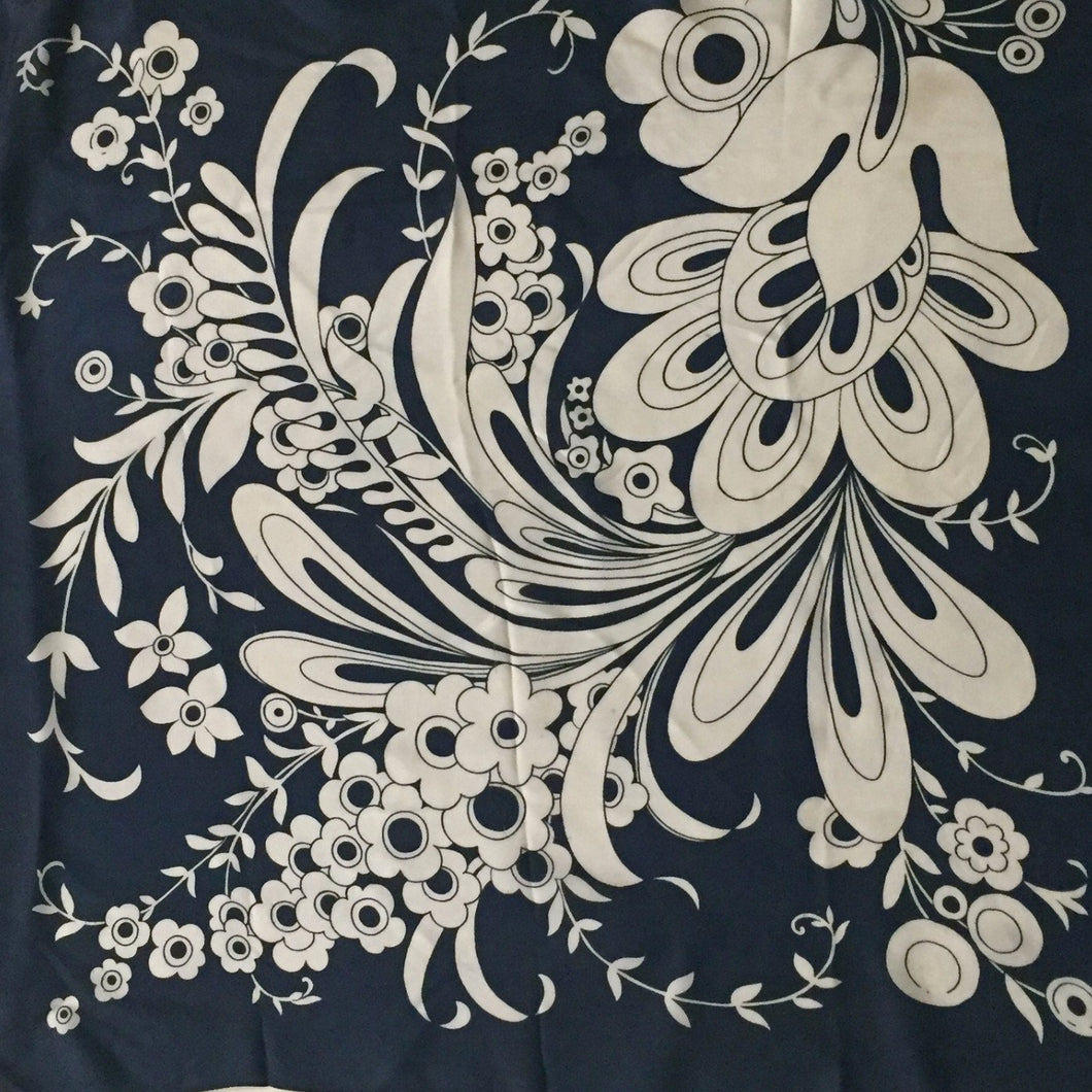 Black And White Bold Floral Print Vintage Scarf 30