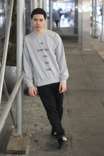 Six Rings Crewneck Sweatshirt No Sympathy For The King - Cool Gray