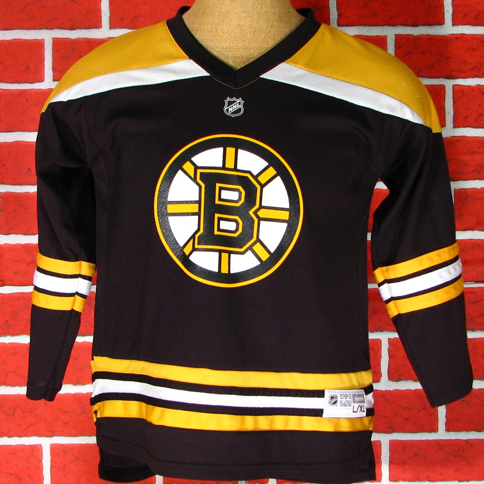 buy online 66a18 eee3d Boston Bruins Lucic # 17 Jersey Youth Large/Mens small