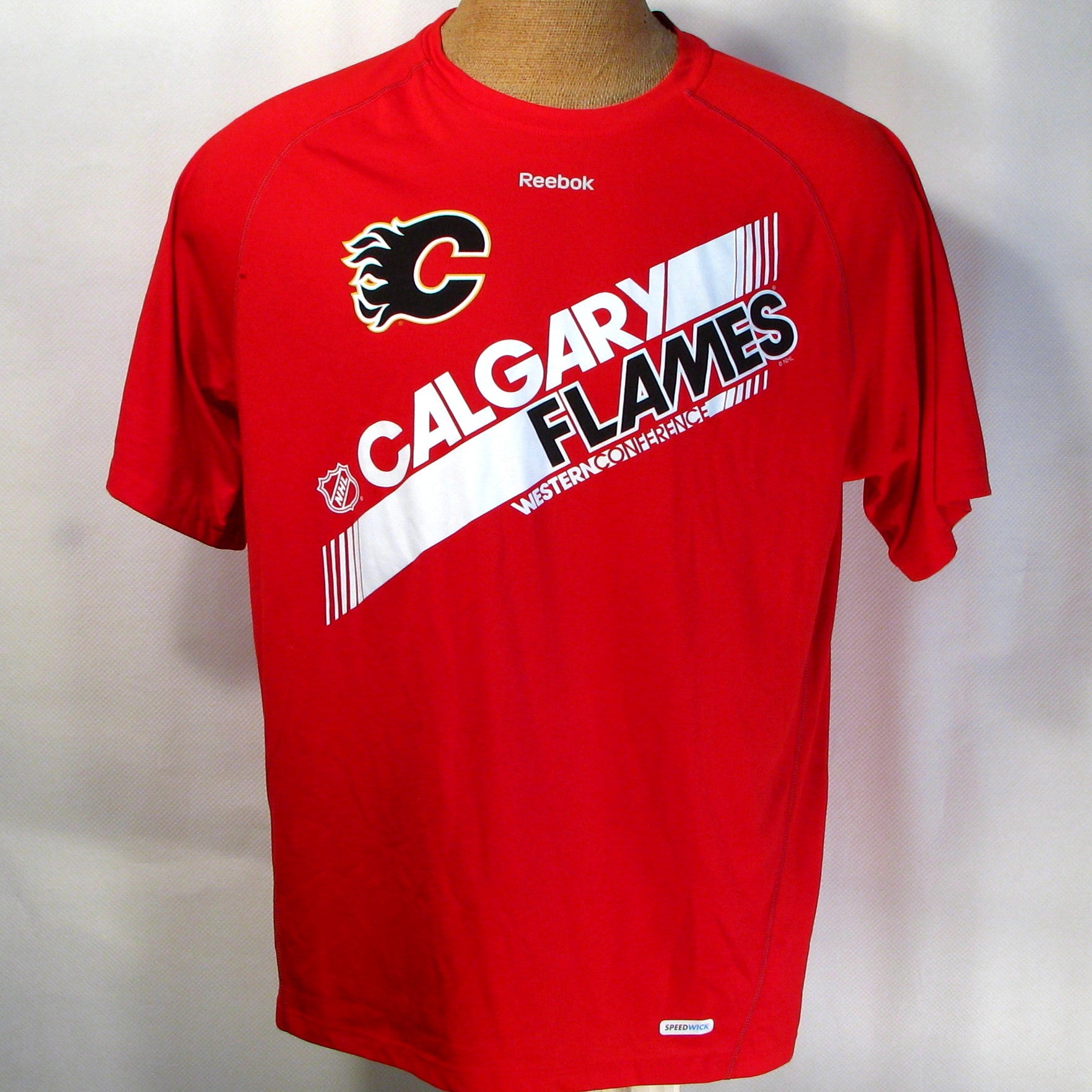 newest f97c3 a3a40 Calgary Flames T-Shirt