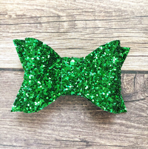 Holly - Green glitter boxy bow