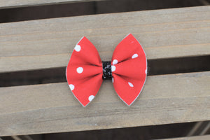 Minnie inspired bow - red with white polka dot bow & black glitter center, Minnie lover bow, Baby shower gift, baby gift, baby girl gift, baby accessories, toddler accessories