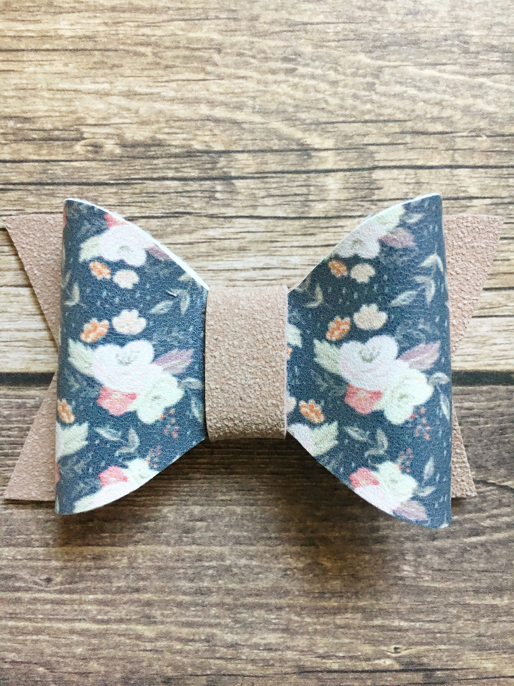 Ilithyia - antique floral bow