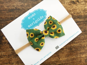 Kaia green - Sunflower cotton bow, green cotton bow, Baby shower gift, baby gift, baby accessories, toddler accessories