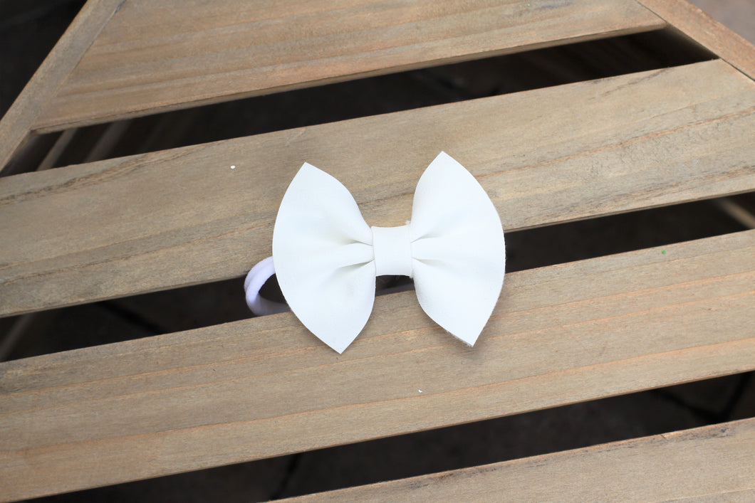 White glitter suede bow - White nylon headband, winter bow, White vegan suede, tan nylon headband, Baby Shower gift, Baby Accessories, Toddler Accessories