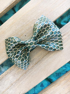 Hunter Green honeycomb - Green patent leather honeycomb bow, Baby shower gift, baby gift, baby accessories, toddler accessories