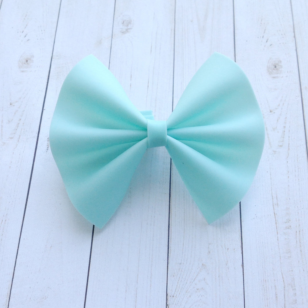 Aqua Jelly Bow - Baby's first birthday, baby shower gift, toddler gift