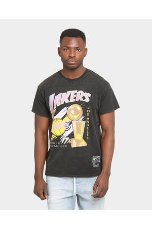 MITCHELL & NESS LA LAKERS VINTAGE 17 TIMES CHAMPS TEE FADED BLACK
