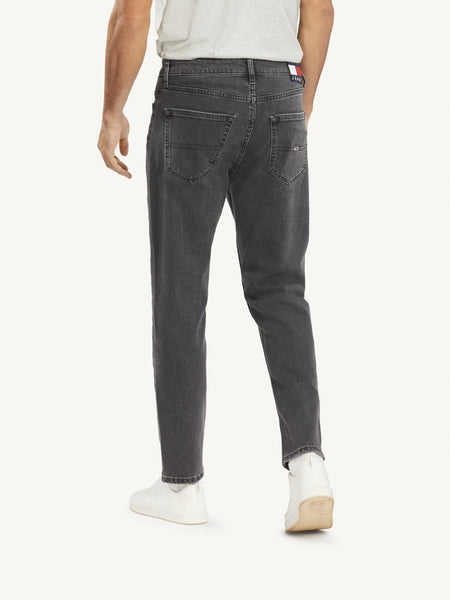 TOMMY JEANS DAD JEAN STRAIGHT ABK ARIES BK