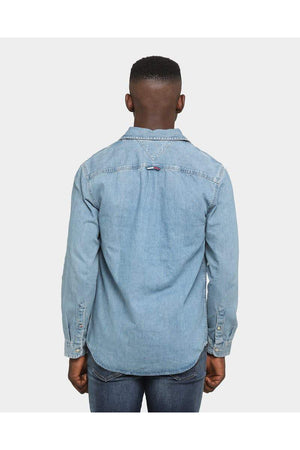 TOMMY JEANS TJM DENIM BADGE SHIRT MID INDIGO