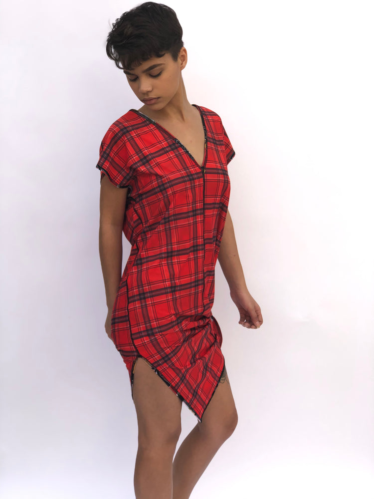 V NECK SIDE SLIT DRESS RED GEISHA/RED PLAID