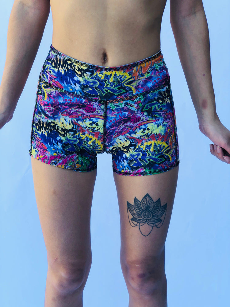 BOY SHORTS LOW RISE GRAFFITI/BUNS OF STEEL