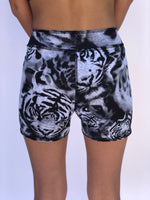 BOYS SHORTS WHITE TIGER/SNOW LEOPARD