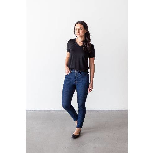Tencel V-neck T-shirt: Black