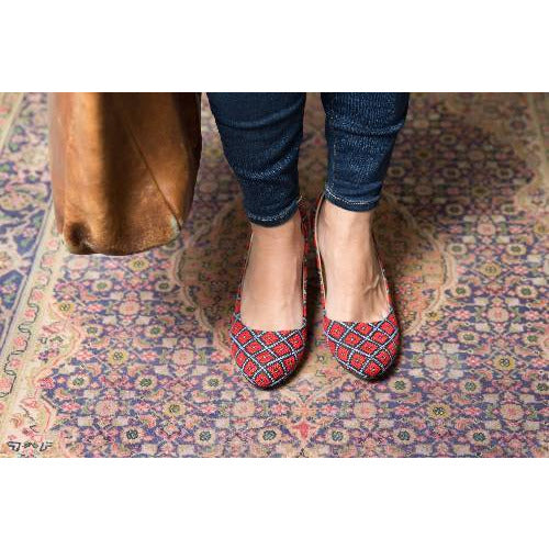 The Tatreez Flat in Red