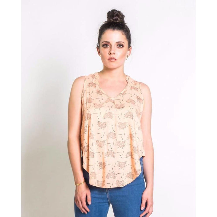 Dancing Fans Sleeveless Blouse in Blush & Black