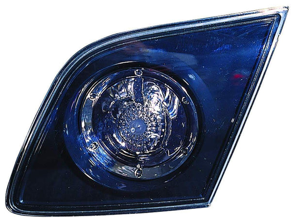Trunk Lamp Passenger Side (Back-Up Lamp) Hatchback High Quality Mazda 3 2007-2009 | Hunt Auto Parts | Canadian Car Body Parts Store | Painted & Non-painted | MA2883106