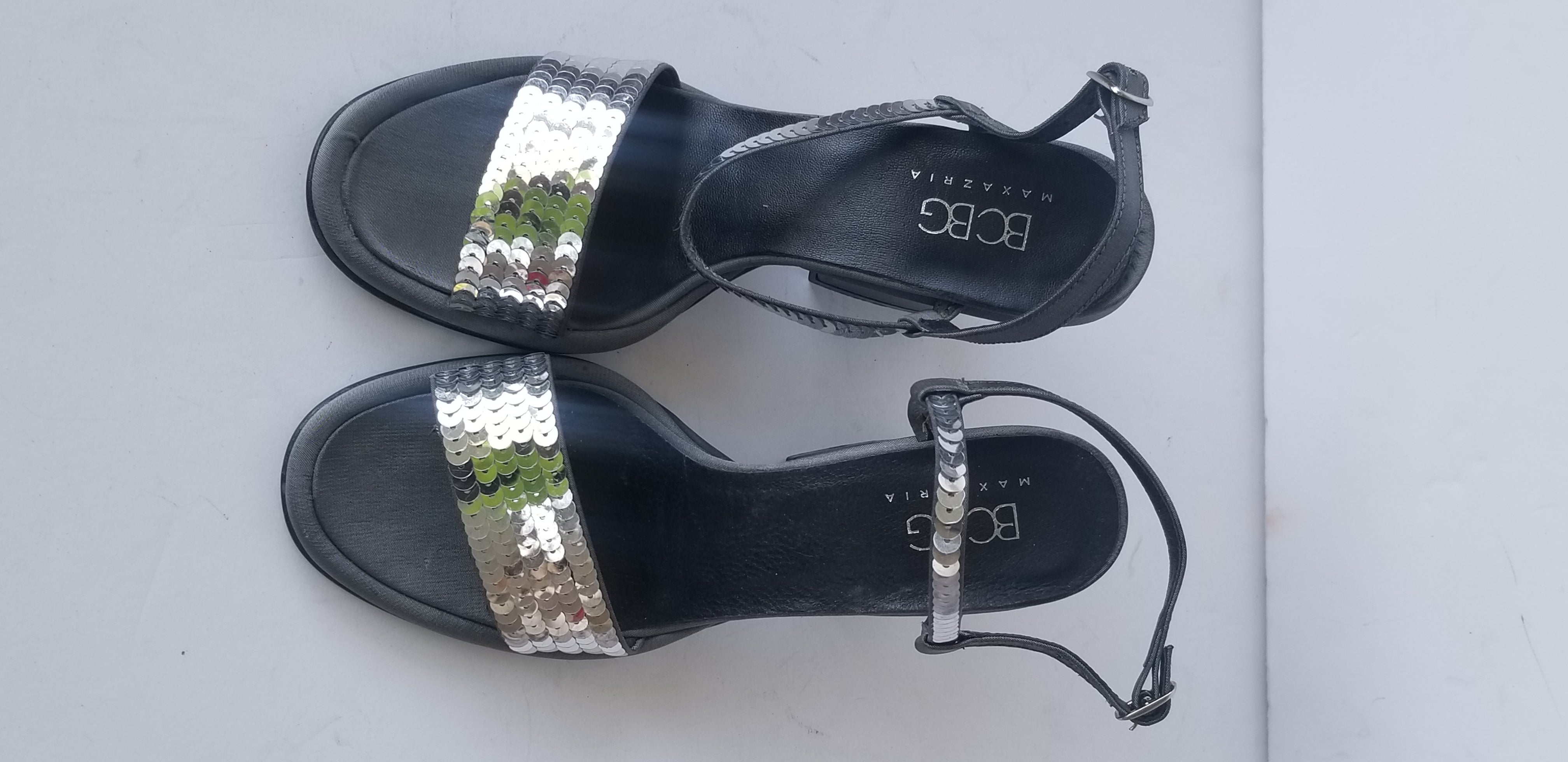 BCBG MAXAZRIA women's sandals gray satin sequins block heels size 7B made in Italy