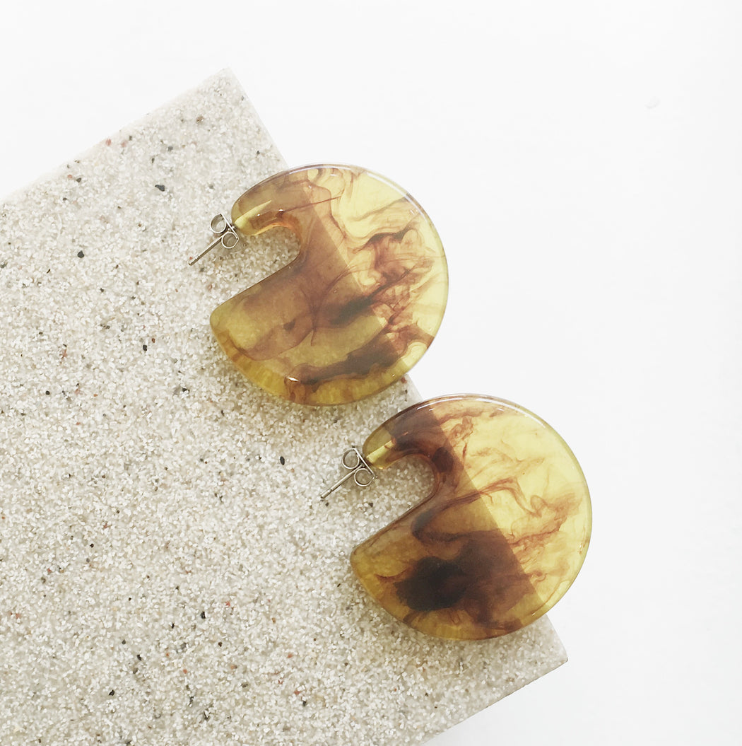 Cecelia Statement Resin Round Studs in Amber