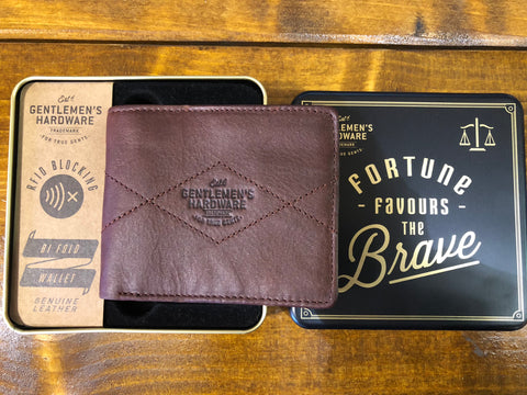 Leather Wallet: Bi fold wallet
