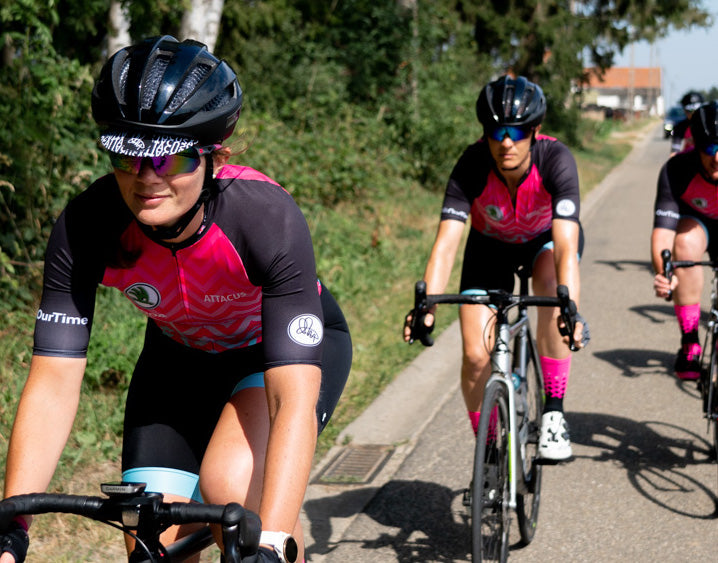 The InternationElles ride the Tour de France a day ahead of the men's professional race