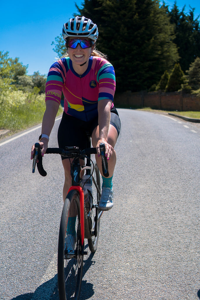 Ultra distance cycling laura scott talks endurance riding, she wears the be bold sweet spot jersey and forever black bib shorts