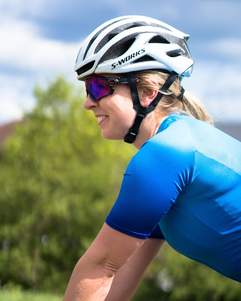 Ultra distance cycling laura scott talks endurance riding, she wears the blue sweet spot jersey and forever black bib shorts