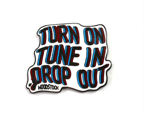 WOODSTOCK TUNE IN PIN