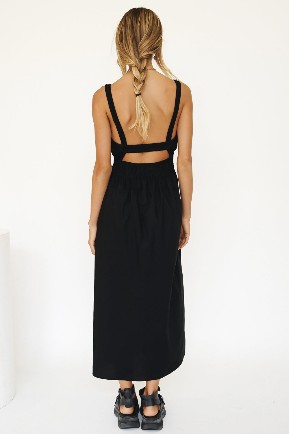 Parisian Days Open Back Midi Dress // Black
