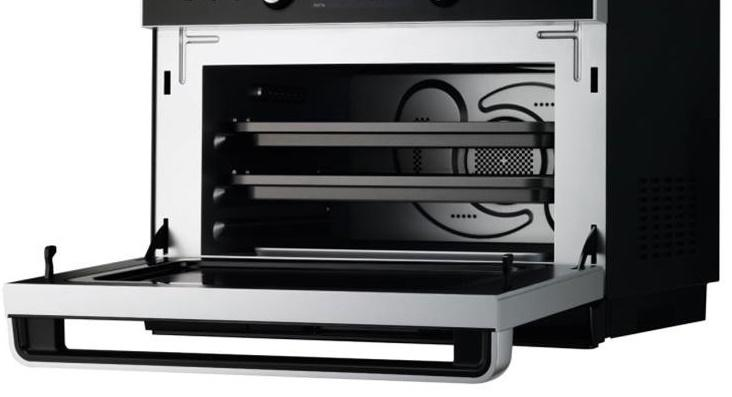 "Master Chef 5 Ovens in 1, 24"" Built In Convection Microwave Oven w/Drop Down Door + 24"" Gas Cooktop"
