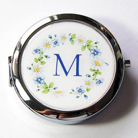 Daisy Wreath Monogram Pill Case With Mirror - Kelly's Handmade