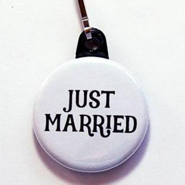Just Married Zipper Pull - Kelly's Handmade