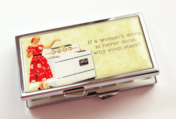 Retro Housewife 7 Day Pill Case - Kelly's Handmade
