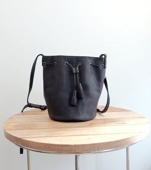 Midi Bucket Bag Lined in Black Leather