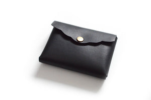 Scalloped Cardholder - Smooth Black Leather Wallet